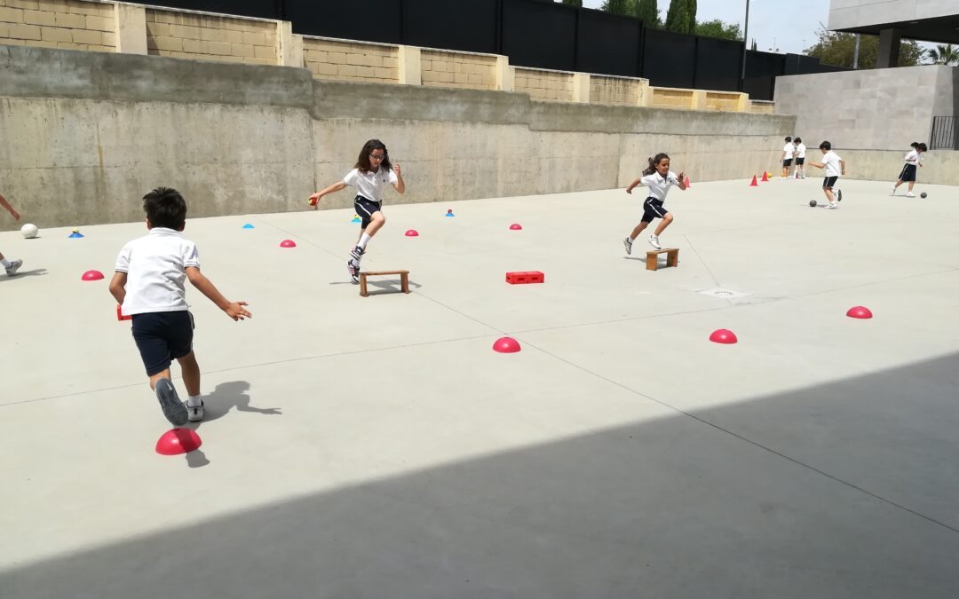P.E. (Physical Education) in Yago School: eye/hand/foot coordination
