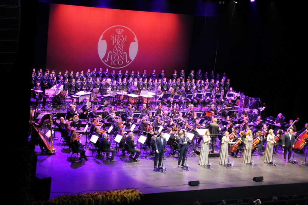 """THE YAGO SCHOOL CHOIR SINGS IN THE SYMPHONIC CONCERT OFFERED BY """"SIEMPRE ASÍ"""" IN SEVILLE"""