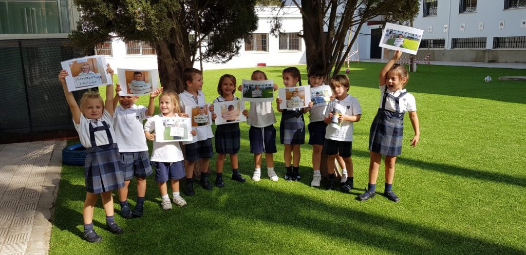 DIPLOMAS FOR THE BEST INFANT STUDENTS IN ENGLISH CLASSES