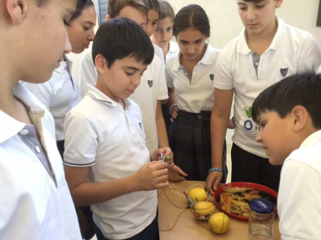 Science projects at Yago School
