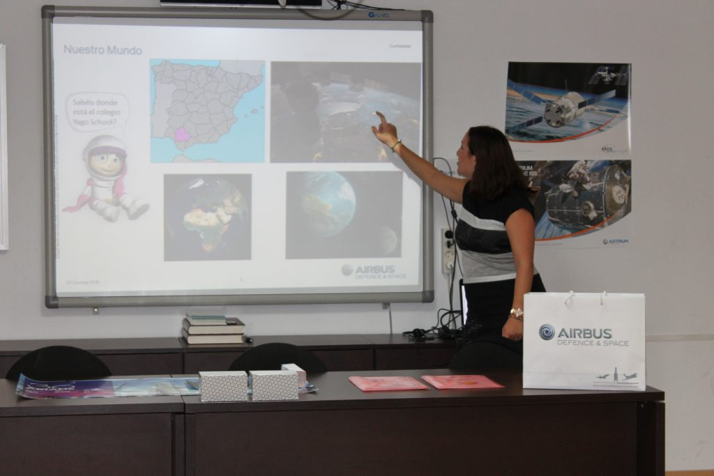 teaching about space in Yago School 2